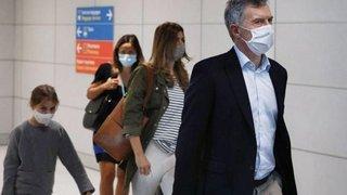 Macri llegó a Francia con su familia y deberá cumplir 14 días de cuarentena