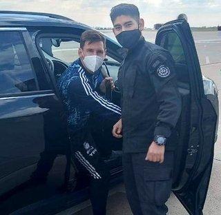 Un joven de La Silleta recibió a Messi, a Di María y a Lo Celso en Rosario