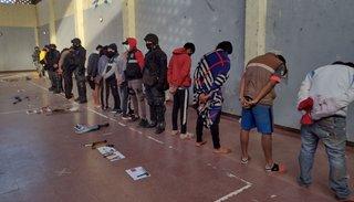 15 detenidos y armas secuestradas en sendos allanamientos en Libertador