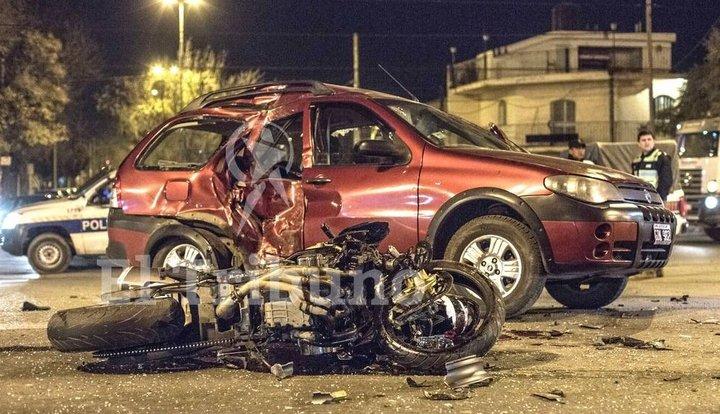 Un motociclista murió en un accidente vial sobre avenida Tavella