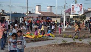 Inauguraron una flamante plaza en el barrio Santa Clara