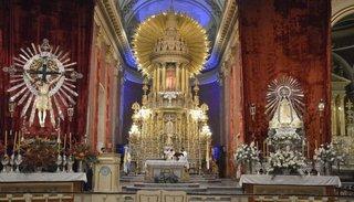 Agradecimiento a los trabajadores esenciales en la entronización del Señor y la Virgen del Milagro