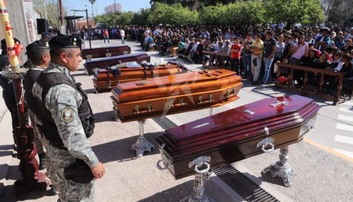 Todo el pueblo de El Galpón despidió a las víctimas del trágico accidente