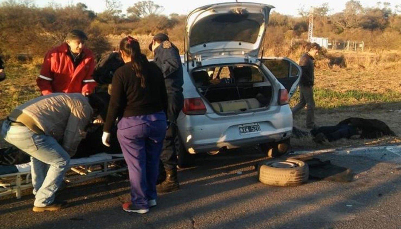 Tragedia vial: El automóvil guiado por el policía habría invadido el carril opuesto
