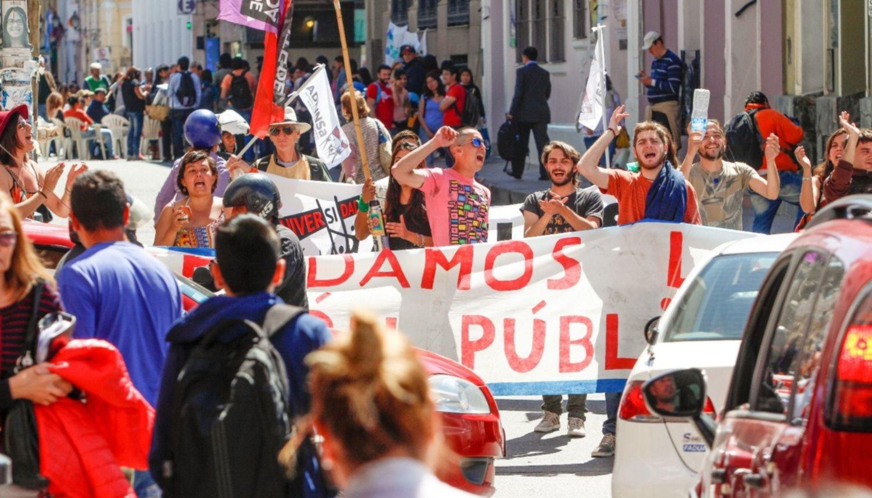 Marchas y clases públicas convulsionaron el centro