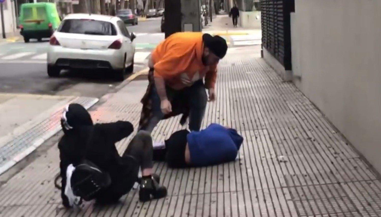 ¡Escándalo millennial! Youtuber se grabó golpeando a otro