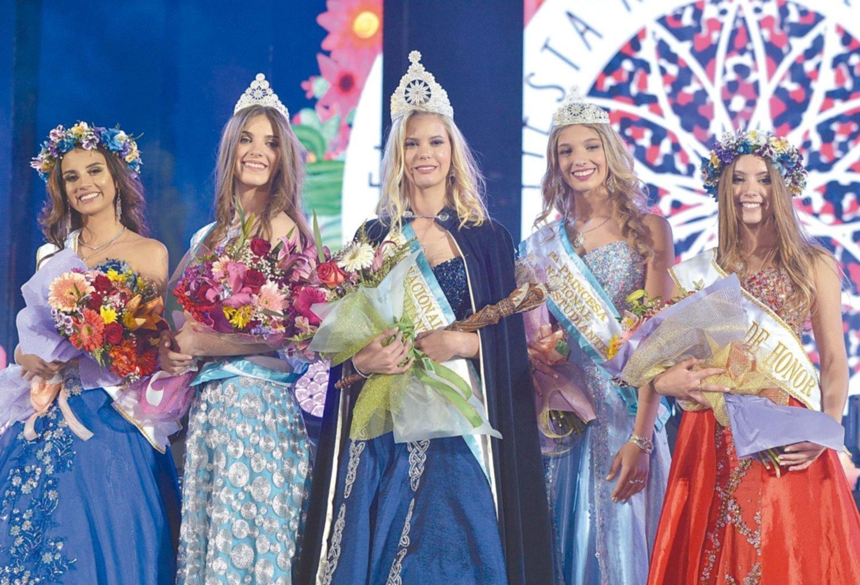 La bella Camila Iglesias es la nueva reina nacional de los estudiantes