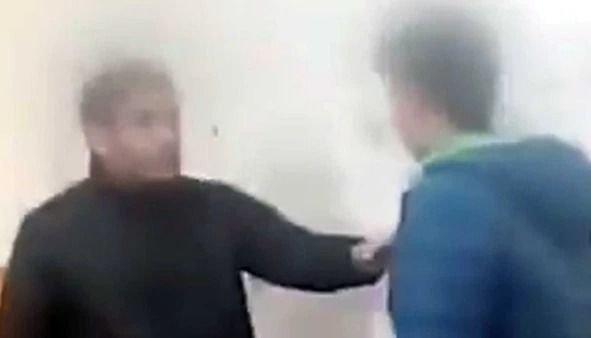 Alumno empujó y golpeó al profesor que le sacó su celular
