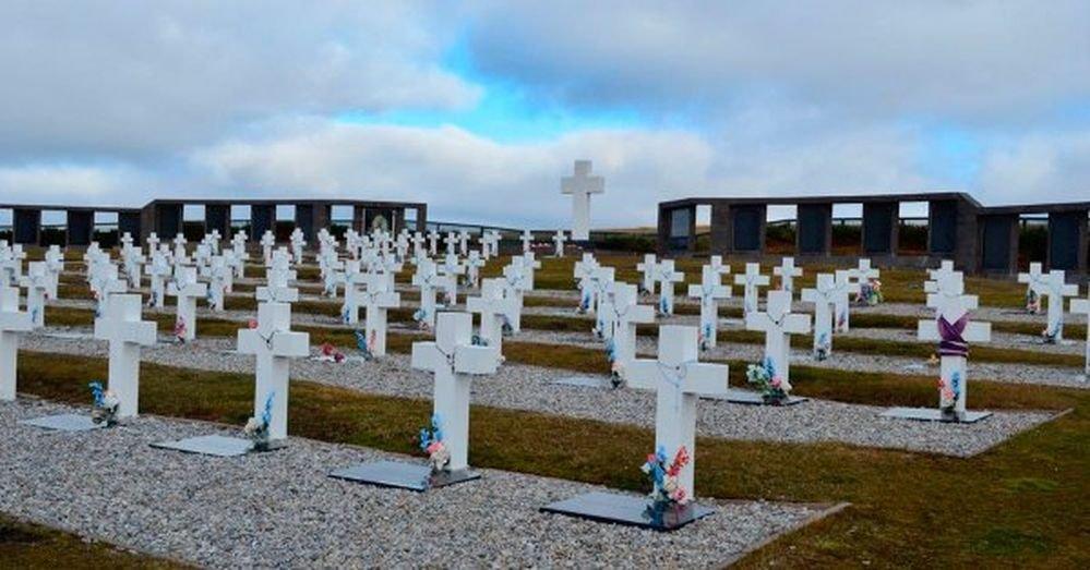Identificaron al soldado 101 del cementerio de Darwin