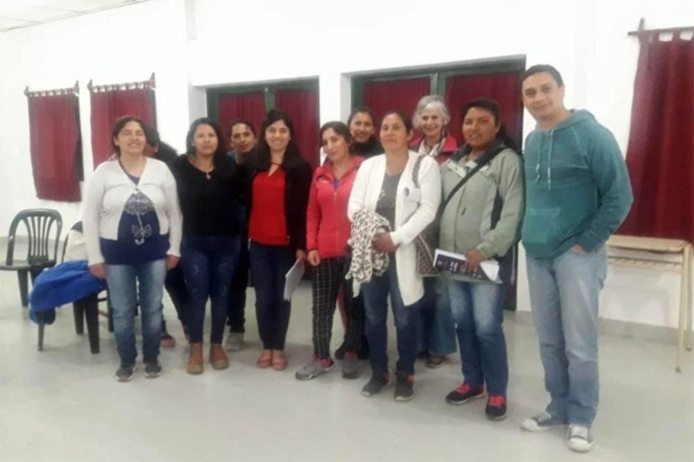 Un grupo de mujeres fabricará trapos de piso