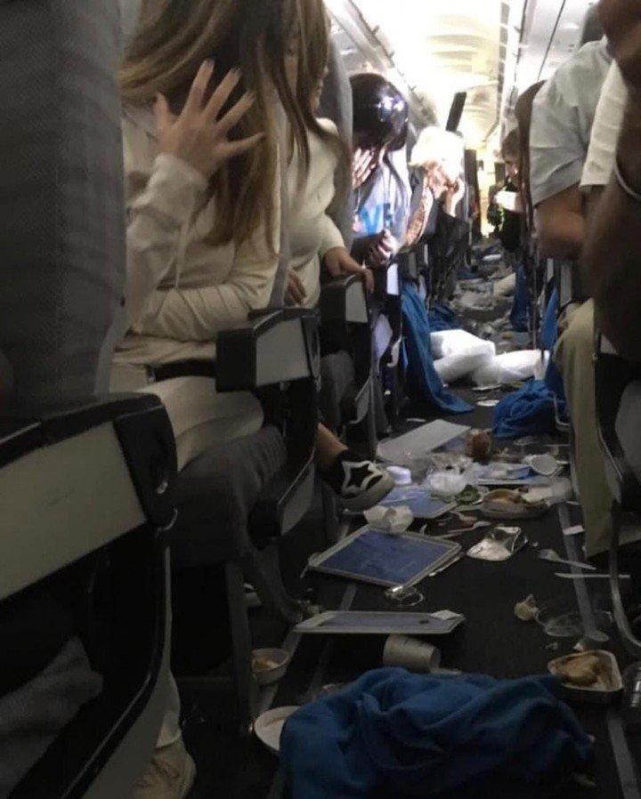 Quince pasajeros heridos por