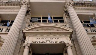 El Banco Central decidió que sólo se podrán comprar 200 dólares por mes