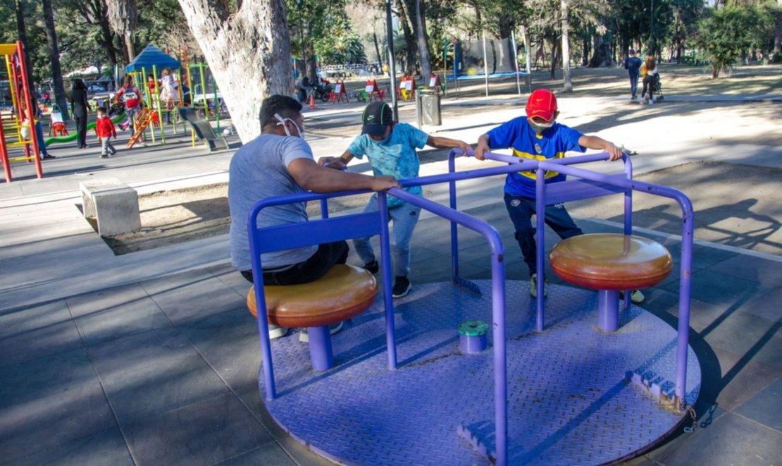 En 2020, algunos chicos aprovecharon los días permitidos para salir a jugar en medio de la pandemia.