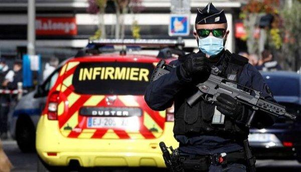Ataque terrorista en Francia dejó tres muertos, uno de ellos decapitado, en la basílica de Niza