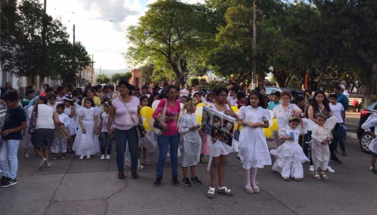 Marcha de los santos con buena concurrencia