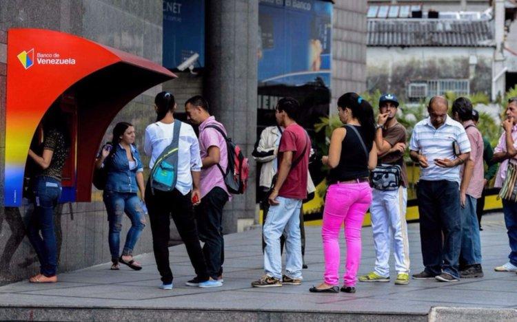 Venezuela entró default parcial y anunció pagos