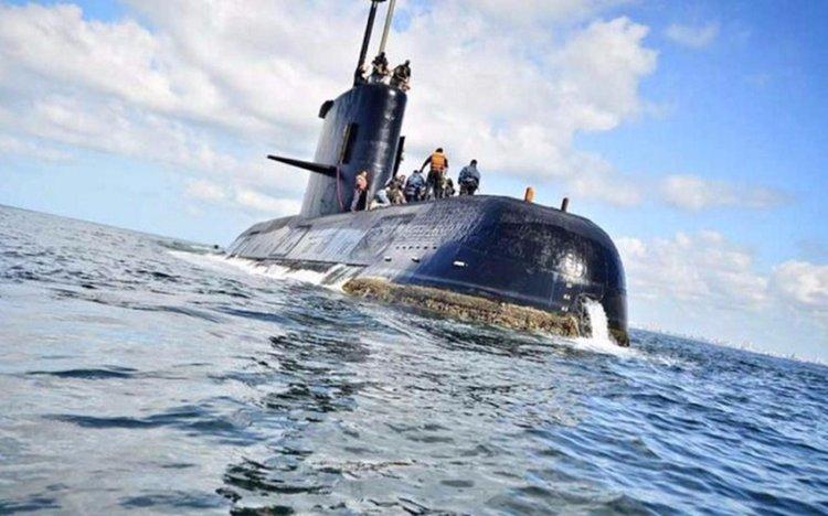 """La Armada afirma que el submarino ARA San Juan """"tiene oxígeno y víveres para 15 días más de lo previsto"""""""