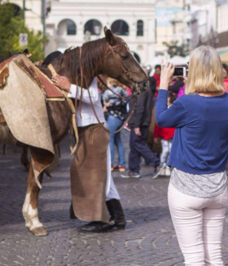 Más de un millón de turistas se movilizaron este fin de semana largo: Salta, entre las más elegidas