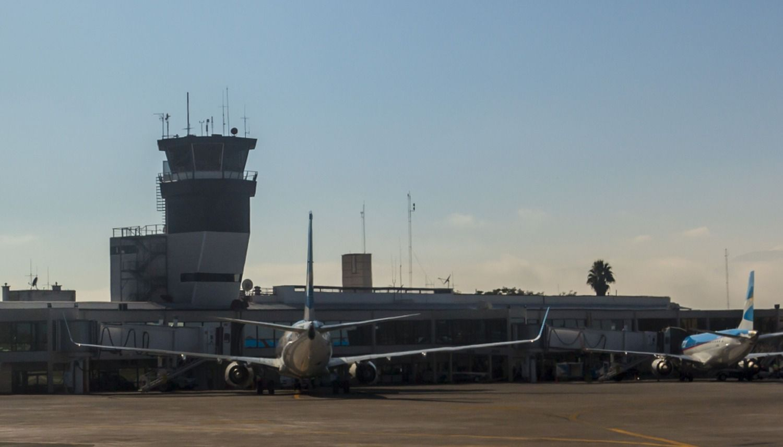 Caos en Aeroparque: 57 vuelos están cancelados por asamblea