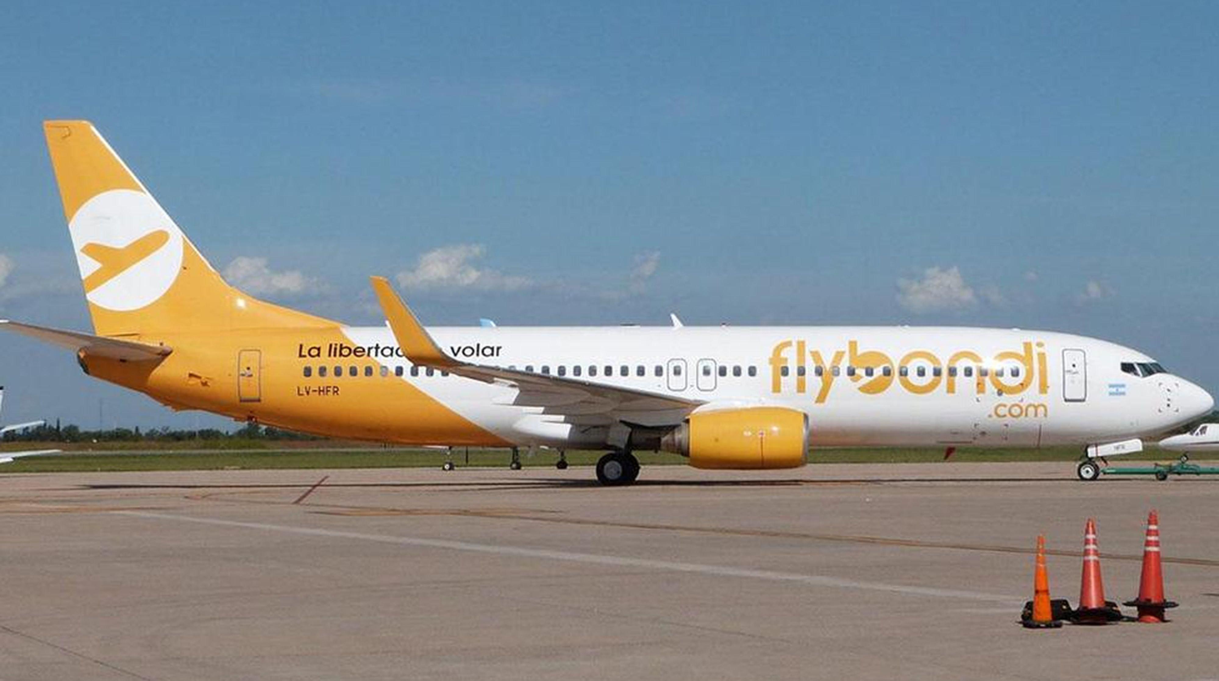 El dueño de Flybondi se va del país porque