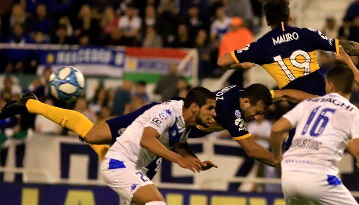 Boca no pudo con Vélez pero el empate lo dejó otra vez en la punta
