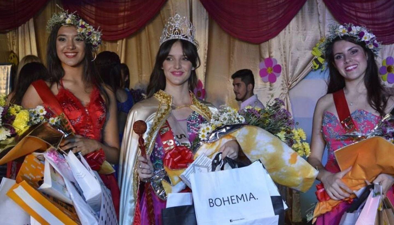 Valentina es la flamante reina  provincial de la miel