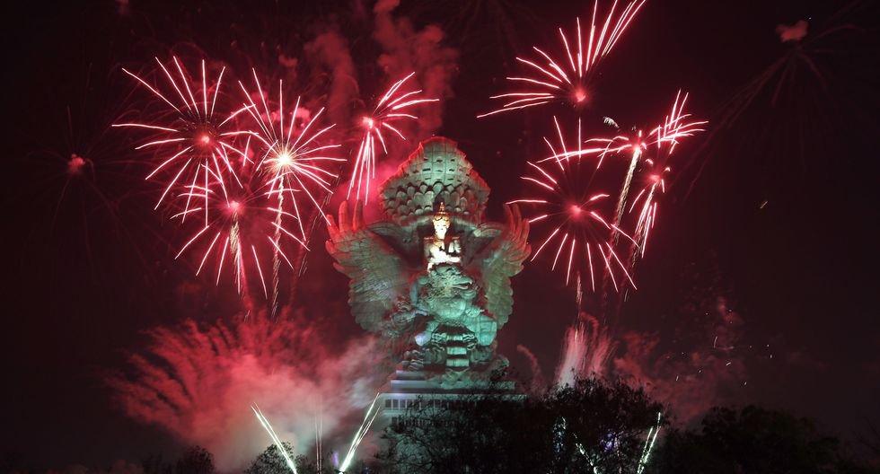 Indonesia recibe así el Año Nuevo 2020. (EFE/EPA/MADE NAGI).