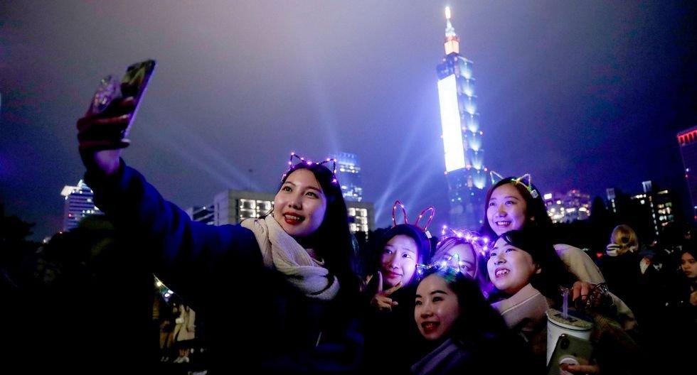 Taiwan recibe así el Año Nuevo 2020. (EFE/EPA/RITCHIE B. TONGO).