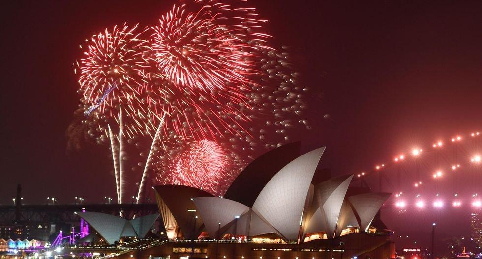 Australia recibe así el Año Nuevo 2020. (EFE/EPA/MICK TSIKAS).