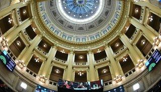 El debate que divide al país vuelve al Senado y se espera otra extensa sesión